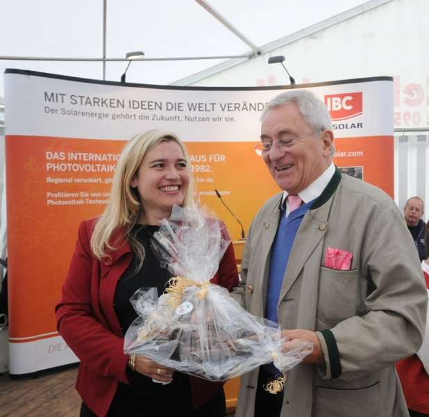 ibc-solar_jura-solarpark_udo-moehrstedt-melanie-huml_pic3