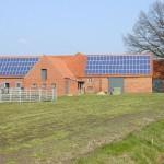 Viele Gebäude mit großen Dachflächen sind zur Produktion von Solarstrom geeignet