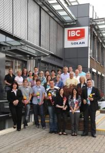 Sechs neue Azubis starten bei IBC SOLAR in den Beruf