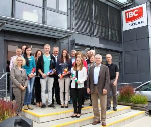 130902-IBC-SOLAR-Auszubildende-2013-gruppe